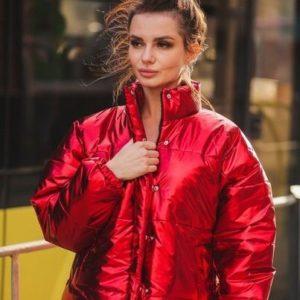 Замовити жіночу коротку червону куртку-пуховик теплу оптом Україна