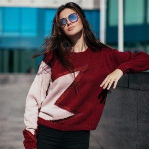 купить женский бордовый свитер со звездой