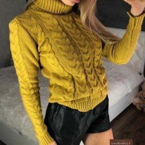 купить женский горчичный свитер с горлом дешево