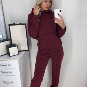 Купить бордовый женский прогулочный спортивный костюм на зиму