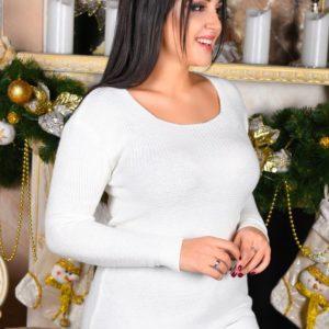 Женский свитер с разрезами по бокам белого цвета больших размеров купить недорого