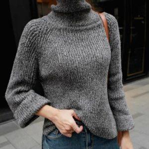 Купить серый женский свитер с горлом