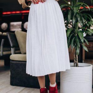 Купить женскую вязаную юбку из шерсти в подарок цвета молока