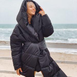 Женская куртка на синтипухе черная купить недорого