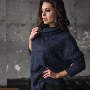 Купить женский свитер оверсайз из ангоры синего цвета дешево