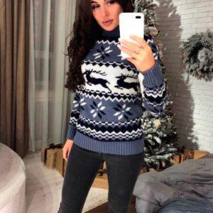 Приобрести женский свитер с оленями теплый серого цвета недорого