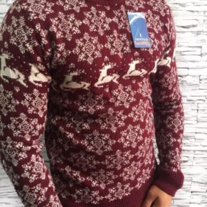 Заказать мужской свитер зимний с оленями бордового цвета дешево
