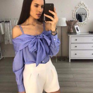 Приобрести женскую рубашку с открытым верхом голубого цвета с белой полоской недорого