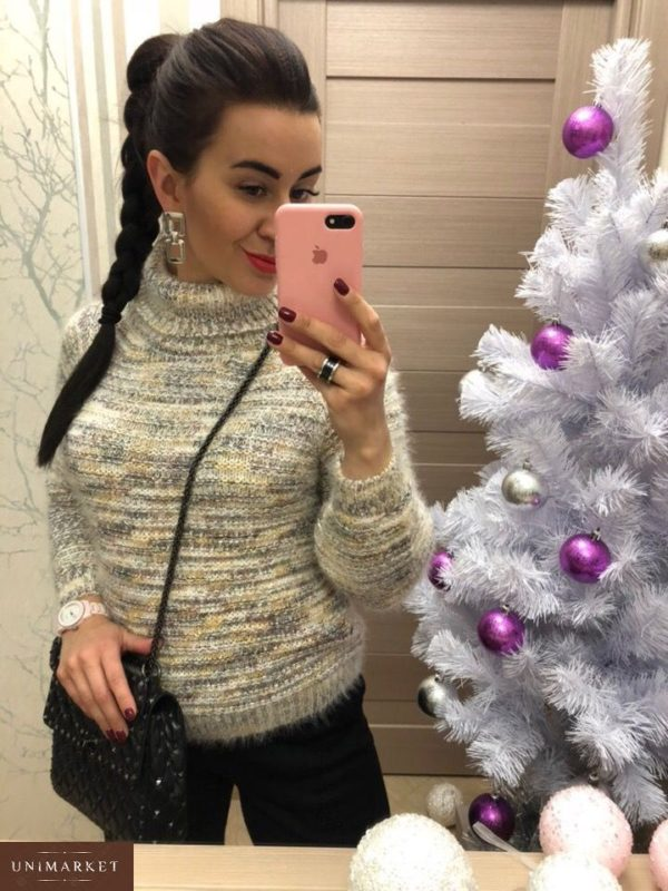 Приобрести женский свитер с высоким горлышком белого цвета недорого