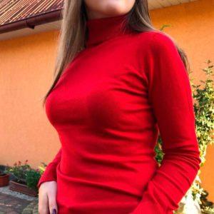 Приобрести женский мягкий гольф красного цвета недорого