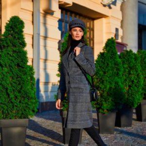 Приобрести классическое пальто с поясом из шерсти прямого кроя и кашемира женское недорого