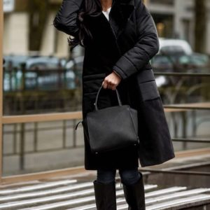 Заказать недорого женское черное пальто из кашемира с искусственным мехом кролика в подарок