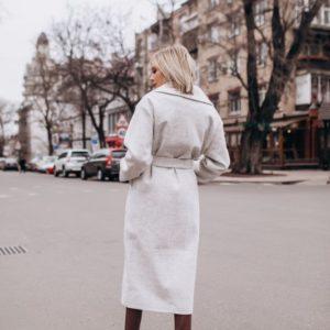 Купить недорого женское весеннее пальто из турецкого кашемира с поясом серого цвета