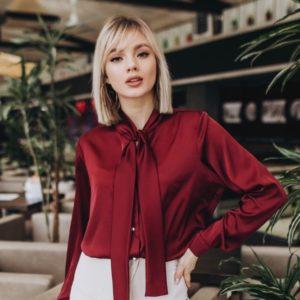 Заказать женскую бордовую шелковую блузку с длинным рукавом дешево
