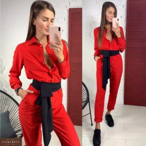 Купить из костюмного шелка комбинезон с поясом женский красного цвета недорого