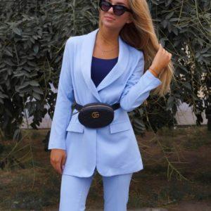 Заказать недорого женский брючный костюм из жакета и брюк в подарок больших размеров голубого цвета