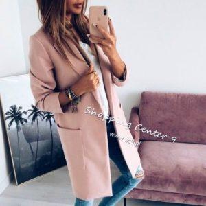 Заказать женское пальто с карманами прямое на пуговицах оптом розового цвета