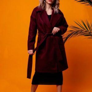 Заказать женское весеннее пальто на подкладке из турецкого кашемира с поясом бордового цвета недорого