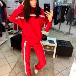 Купить женский прогулочный костюм из турецкой двухнити с белыми лампасами красного цвета оптом Украина