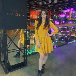Заказать женское платье свободное горчичного цвета универсального размера оптом