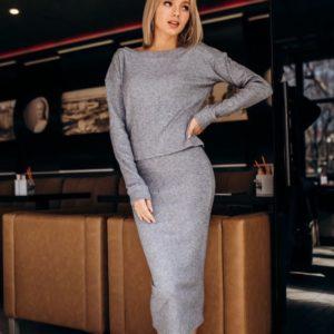 Купить женский костюм рубчик из трикотажа турецкого: юбка и кофта серого цвета оптом Украина