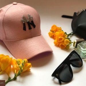 Купить дешево женскую кепку из коттона New York розового цвета оптом