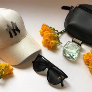 Заказать кепку New York женскую из коттона белого цвета недорого
