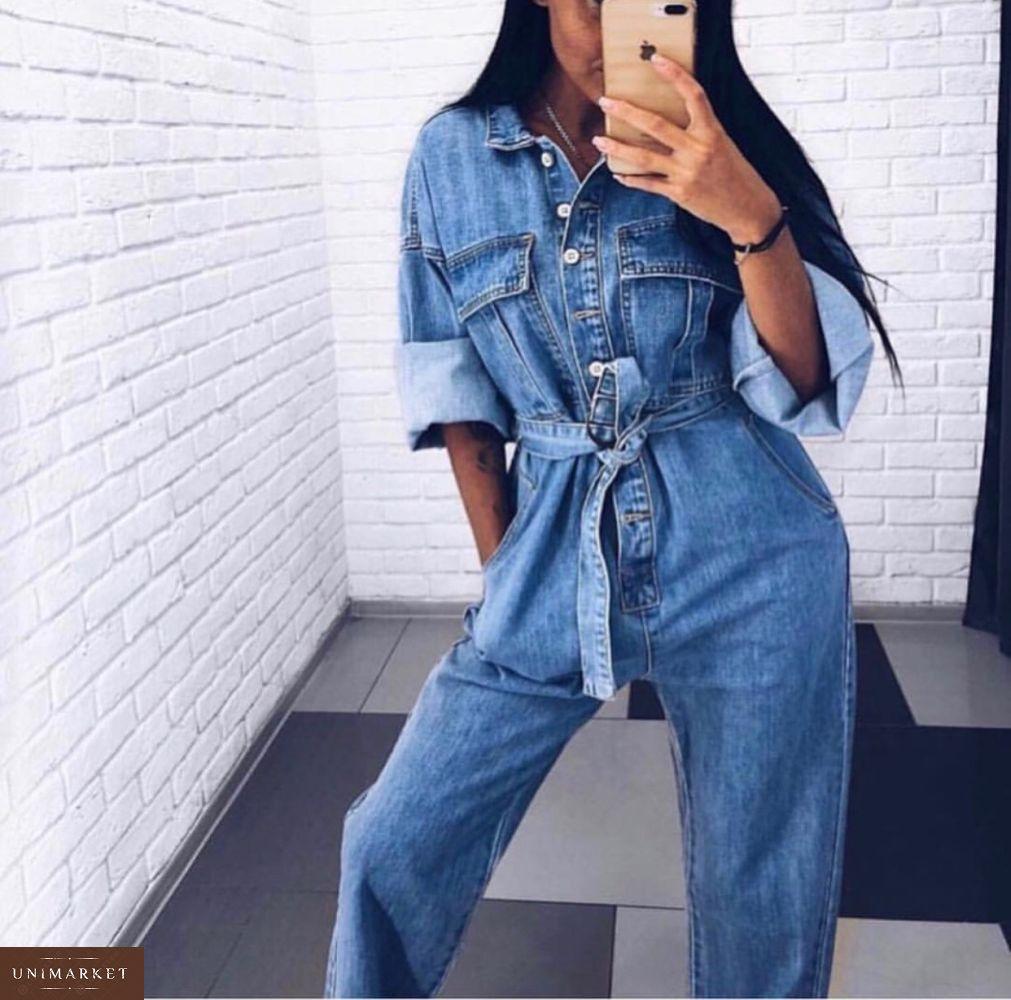 06c8b5d32205a0 Придбати жіночий комбінезон джинсовий з поясом на ґудзиках синього кольору  оптом Україна