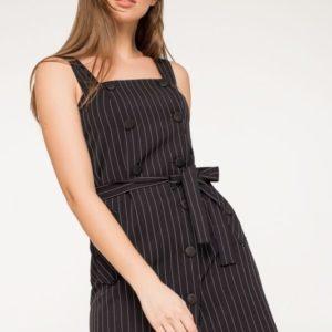 Купить черный сарафан из костюмной ткани на широких бретелях для женщин