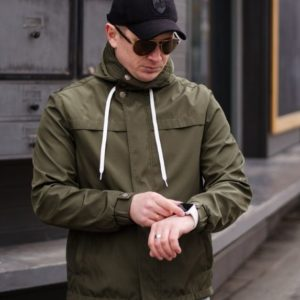 Купить в интернет-магазине мужскую на трикотаже весеннюю куртку больших размеров цвета хаки недорого