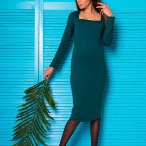 Заказать недорого женское футляр-платье из итальянского трикотажа с декольте зеленого цвета в подарок