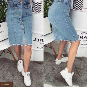 Приобрести дешево женскую юбку джинсовую с карманами на пуговицах голубого цвета оптом
