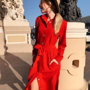 Заказать в подарок женское однотонное платье миди из софта с поясом и карманами красного цвета большого размера