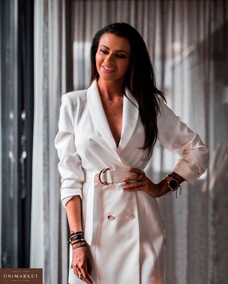 54a167cb4720dd Купити в інтернет-магазині жіночу сукню - піджак на запах з поясом і  гудзиками білого