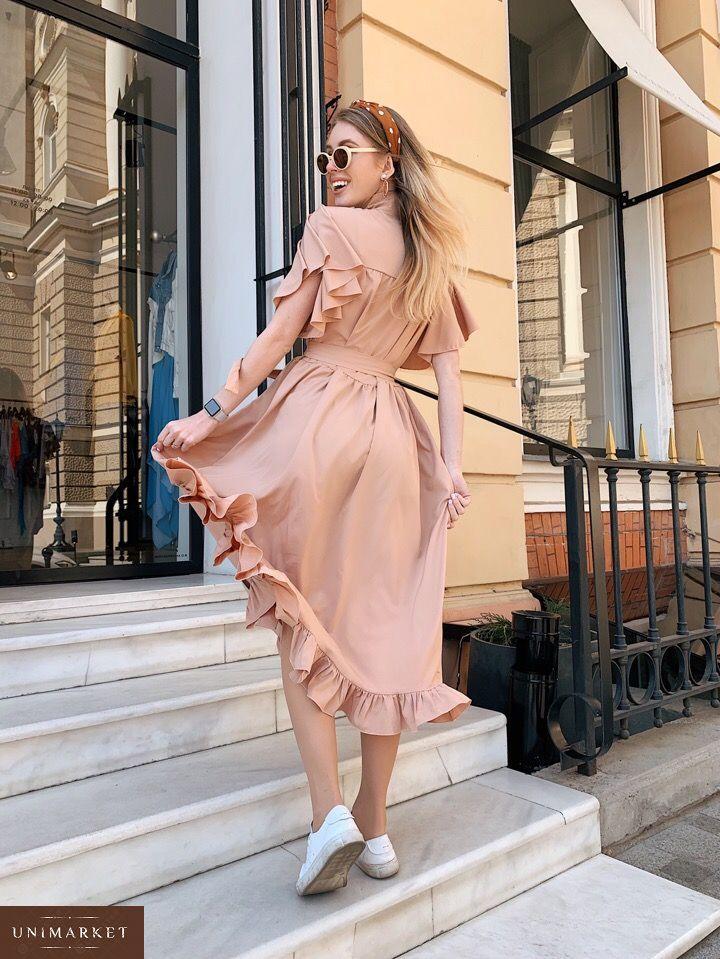 e4ace9b1a23e08 Придбати дешево жіночу сукню крою широкого з крильцями і поясом кольору  піску оптом Україна