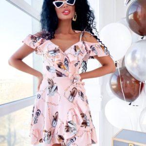 Заказать женское платье с воланами по плечах и завязками регулируемыми на запах нежно-розового цвета недорого