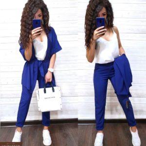 Купить в интернет-магазине женский костюм тройка: накидка с поясом, майка, штаны из софта синего цвета недорого