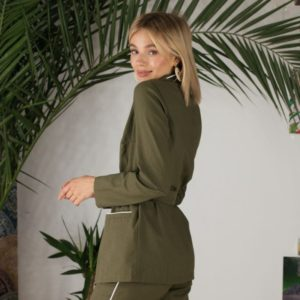 Заказать недорого женский костюм с поясом цвета хаки из натурального льна в подарок больших размеров