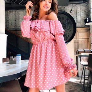 Заказать недорого женское весеннее платье с открытыми плечами из супер софта пудрово-розового цвета в подарок
