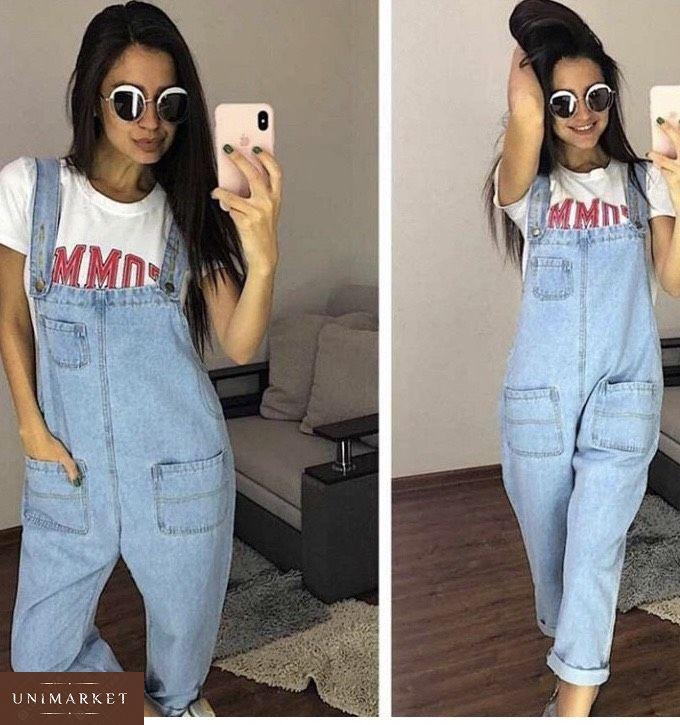a36a6d940b7c3d Придбати в інтернет-магазині жіночий комбінезон джинсовий з кишенями  широкими блакитного кольору дешево