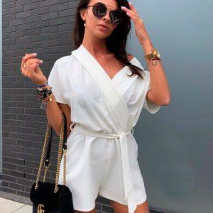 Приобрести женский комбинезон с открытыми плечами шорты белого цвета оптом Украина