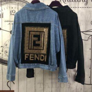 Заказать недорого женскую джинсовую куртку свободного кроя Фенди графитового цвета в подарок