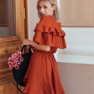 Заказать в подарок женское платье из креп шифона с оборкой оранжевого цвета недорого