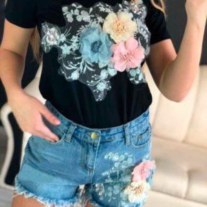 Заказать в подарок костюм женский больших размеров: джинсовые шорты и футболка черная недорого