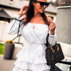 Заказать в подарок женское платье свободного кроя с рюшами из ткани софт белого цвета недорого