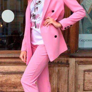 Приобрести в интернет-магазине женский пиджак свободного кроя на подкладке с брюками розового цвета дешево