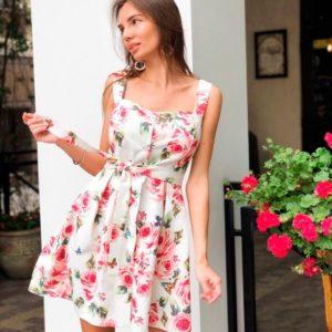 Заказать дешево женское летнее платье из коттон - атласа с розами белого цвета недорого