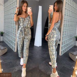 Купить в интернет-магазине женский комбинезон с брюками из софта в цвет питона серого недорого