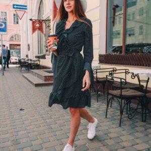 Приобрести в подарок женское платье с клёш рукавами в горох из ткани шифон-креп черного цвета оптом Украина