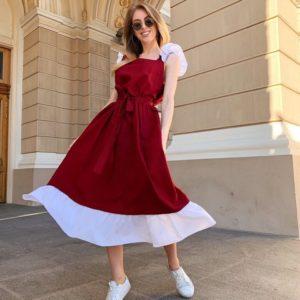 Купить в интернет-магазине женское платье из льна миди с крылышками и поясом в комплекте красно-винного цвета недорого